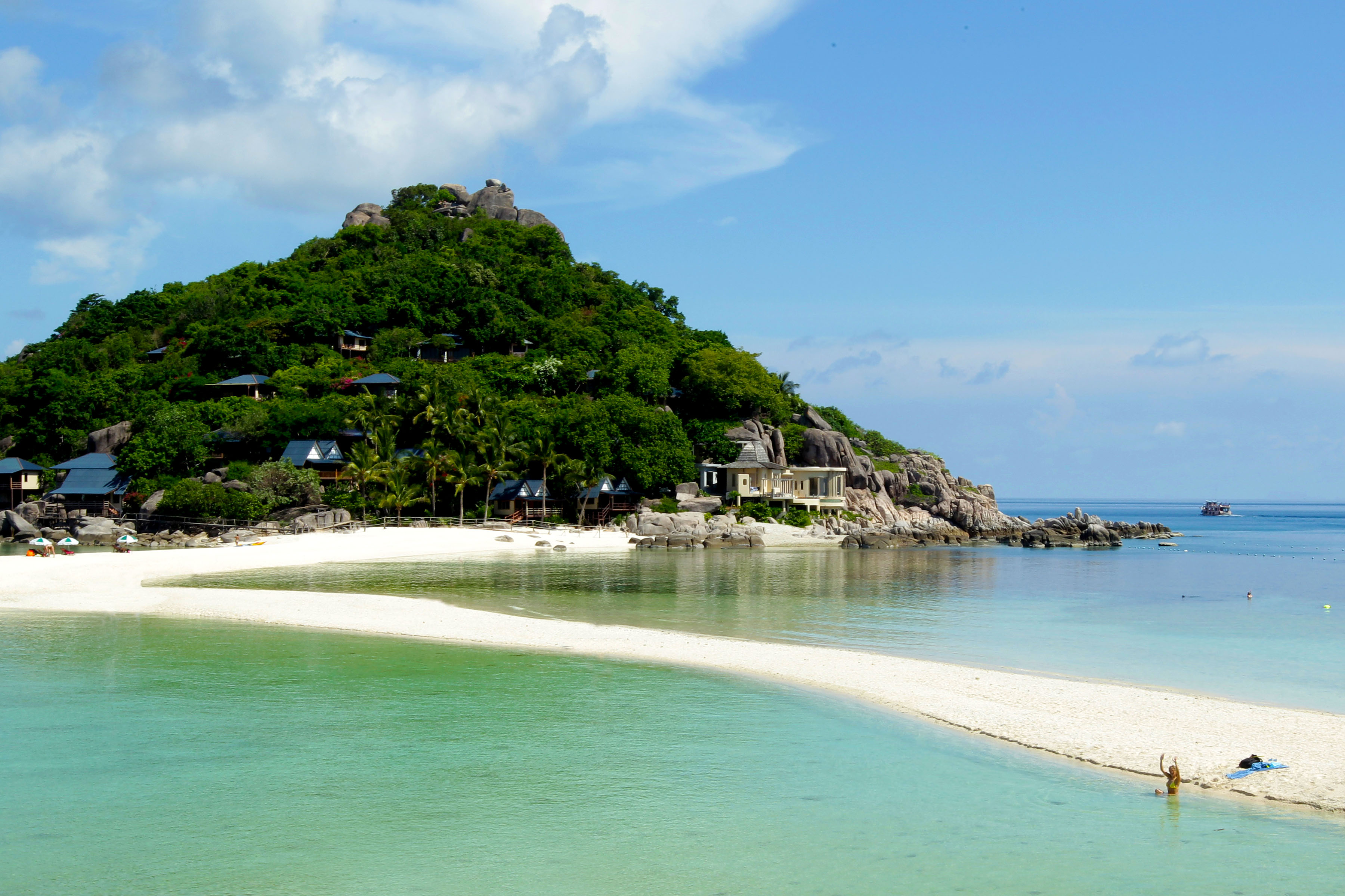 Sand bars join Koh Nang Yuan Islands Thailand