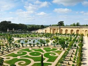 Chateau Versailles garden Paris